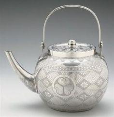 Tetera de té de plata japonesa / PERÍODO DE TAISHO (SIGLO XXI)