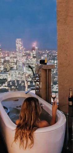 LA #luxurytoilet