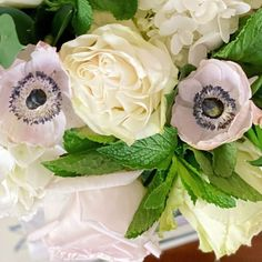 Anemone Bouquet, Table Decorations, Flowers, Home Decor, Decoration Home, Room Decor, Royal Icing Flowers, Home Interior Design, Flower