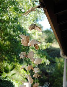 Una manualidad muy trix y veraniega para dar un toque fresco y decorativo a porches, jardines y terrazas.