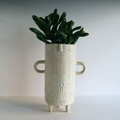 Image of Tall stamped tripod vase with arms // white Ceramic Pots, Ceramic Clay, Ceramic Pottery, Modern Planters, Indoor Planters, Plants Indoor, Pottery Lessons, Inside Garden, Pottery Sculpture