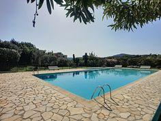 """Antibes: Appartement 4 pièces à vendre dans résidence au calme avec belle piscine.  Quartier Fontmerle. #Immobilier #Antibes """"CotedAzurFrance"""
