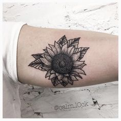⚫️⬛️⬛️⚫️ done at @inkandwatertattoo #sunflowertattoo #blackwork #blackworkers #tattoosofinstagram #dotwork #dotworktattoo #tattooidea #blacktattoo #pointillism #blackworkers_tattoo #bw #blacktattoo #linework #dots #sunflower #tattoolife #instagood #instadaily #artoftheday #blacktattooart  #tatouage #darkartists #torontotattoo #blacktattoo #drawing