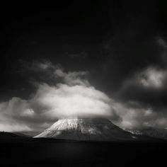 andy lee iceland 7 Breathtaking Black And White Photos Of Icelandic Landscapes