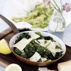 Gräddstuvad spenat med parmesan Parmesan, Palak Paneer, Veggies, Vegetarian, Ethnic Recipes, Food, Shapes, Essen, Yemek