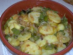 Patatas a lo pobre - one of my favourite things, scrummy 😋 Potato Recipes, Veggie Recipes, Mexican Food Recipes, Diet Recipes, Vegetarian Recipes, Cooking Recipes, Healthy Recipes, Ethnic Recipes, Copycat Recipes