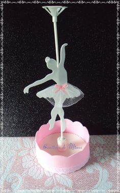 Forminha para docinhos Bailarina - MyKingList.com Ballerina Birthday Parties, Ballerina Party, Baby Birthday, Bar A Bonbon, Ballerina Cakes, Ideas Para Fiestas, Party Centerpieces, Baby Shower Parties, Crafts For Kids