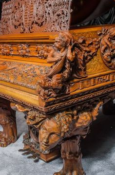 A True Masterpiece: The Antique Blasius & Sons Custom Carved Grand Piano Victorian Furniture, Antique Furniture, Wal Art, Old Pianos, Baby Grand Pianos, How To Antique Wood, Wood Sculpture, Victorian Homes, Musical Instruments