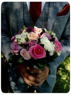ΣΤΟΛΙΣΜΟΣ ΓΑΜΟΥ ΣΕ ΚΤΗΜΑ ΜΕ ΣΤΑΧΥΑ ΚΑΙ ΞΥΛΟ - ΚΤΗΜΑ ΓΚΟΥΝΤΑ - ΚΩΔ:GD-1342 Rose, Flowers, Plants, Pink, Plant, Roses, Royal Icing Flowers, Flower, Florals