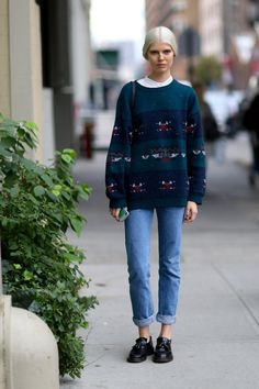 Pin for Later: The Supermodels Keep It Sleek on the Streets at PFW New York Fashion Week Now this is a cozy, fast-forward-to-Fall look we can all get behind.