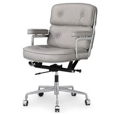 Comfortably craft or work in the study seated at this tufted leather office chair. Featuring an adjustable seat and castered base, this stylish piece makes any project a breeze. Best Ergonomic Office Chair, Best Office Chair, Executive Office Chairs, Ergonomic Chair, Office Chairs For Sale, Home Office Chairs, Office Furniture, Teak Adirondack Chairs, Beauty Chair