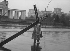 Paul Schutzer—Time & Life Pictures/Getty Images Not originally published in LIFE. A Lebanese businessman, Edmond Khayat, carries an wooden cross to protest the Berlin Wall in October West Berlin, Berlin Wall, Life Pictures, Cool Pictures, German Police, Powerful Pictures, Religion Catolica, Life Magazine, Cold War