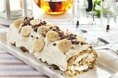 Her har du oppskriften på en herlig, luksuriøs rullekake som er fylt med sjokolade, hasselnøtter og banan. Anbefales!