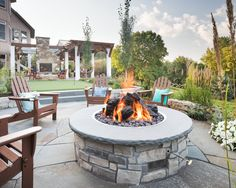 You voted: See who won the 2020 HGTV Ultimate Outdoor Awards. Natural Gas Fireplace, Outdoor Gas Fireplace, Natural Gas Fire Pit, Backyard Fireplace, Desert Backyard, Fire Pit Backyard, Beach House Deck, Backyard Putting Green, Outdoor Living