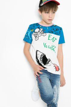 Camiseta estampada de manga corta para niño Desigual. ¡Descubre la colección de niño más cañera!