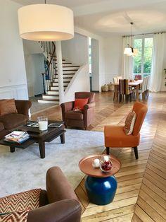 L'escalier a été ouvert pour créer une belle circulation Croissy Sur Seine, Circulation, Beautiful Homes, Open Set, House Of Beauty