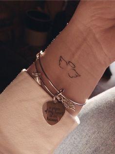 mini tattoos * mini tattoos ` mini tattoos with meaning ` mini tattoos unique ` mini tattoos simple ` mini tattoos for girls with meaning ` mini tattoos men ` mini tattoos best friends ` mini tattoos for women Mini Tattoos, Dainty Tattoos, Pretty Tattoos, Beautiful Tattoos, Tiny Tattoos For Girls, Cute Small Tattoos, Little Tattoos, Small Wing Tattoos, Unique Small Tattoo