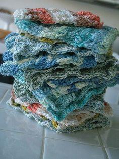 Bear had a great Aunt who made us a couple of handmade washcloths as a wedding present, and I have to confess, back then I could not understand why you'd go to that much trouble for a washcloth when paper towels are so cheap. Ten years later, I always smile to myself when I pull that washcloth out