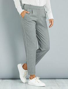 ef65288f8f1cd Pantalon droit à pinces gris Femme - Kiabi Pantalon Pince Femme, Pantalon  Droit, Kiabi