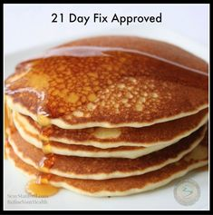 21 day FIX Breakfast Pancakes 1 cup egg whites 1 cup fat free cottage cheese 1 cup whole grain oats 1 tbsp cinnamon tsp raw sugar) probably use banana 1 tsp vanilla extract Day Fix Recipes Breakfast) 21 Day Fix Breakfast, Breakfast Pancakes, Breakfast Recipes, Snack Recipes, Cooking Recipes, Snacks, Diet Breakfast, Breakfast Ideas, 21 Day Fix Waffles Recipes