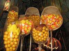 Yellow sixlet | Candy corn | Halloween Mallos