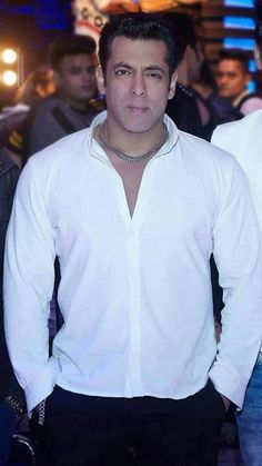 Salman Khan attitude pictures collection & handsome look - Life is Won for Flying (wonfy) Salman Khan Photo, Aamir Khan, Bollywood Stars, Bollywood Fashion, Salman Katrina, Salman Khan Wallpapers, National Film Awards, Picture Collection, Latest Pics