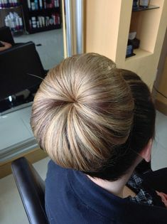 Beehive Hairstyles, Bun Hairstyles For Long Hair, Sleek Hairstyles, Vintage Hairstyles, Ponytail Updo, Bouffant Hair, Beautiful Braids, Beautiful Long Hair, Cut My Hair