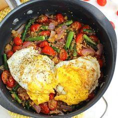 Veggie Quinoa Breakfast Skillet
