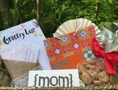 Treat mom to a customized and thoughtful gift for Mother's Day. This gift basket DIY makes a perfect Mother's Day gift idea. Pinata Halloween Costume, Mermaid Halloween Costumes, Unicorn Pumpkin, Mother's Day Gift Baskets, Fathers Day Photo, Best Mothers Day Gifts, Mermaid Diy, Father's Day Diy, Perfect Mother's Day Gift