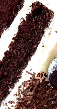 Black Forest Cake Delicious Cake Recipes, Yummy Cakes, Sweet Recipes, Great Desserts, Dessert Recipes, Cake Cookies, Cupcake Cakes, Black Forest Cake, Decadent Cakes