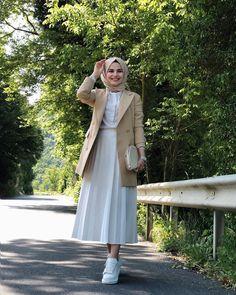 Hijab Casual, Modest Fashion Hijab, Modern Hijab Fashion, Muslim Women Fashion, Hijab Fashion Inspiration, Hijab Fashion Summer, Hijab Outfit, Mode Inspiration, Look Fashion