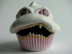 Evil cupcake sculpture...ridiculously adorable.....it's not real but it could be an inspiration