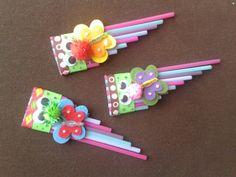Pajitas de colores,cartulina y fieltro....un divertido  instrumento de música!!