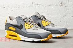 new arrival 9b67b 9498e Nike Air Max 90 Essential (Electric Blue) - Sneaker Freaker