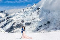New Zealand pre-wedding photography – Up on the snow-capped mountains on South Island <3. More on www.onethreeonefour.com
