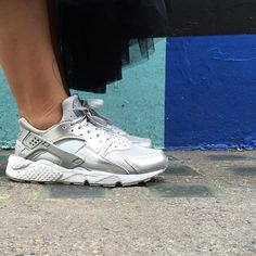 Sneakers femme - Nike Air Huarache (©julee_zy) Nike Huarache Women, Nike Air Huarache, Baskets, Nike Sneakers, Nike Women, Swag, Shoes, Ideas, Fashion