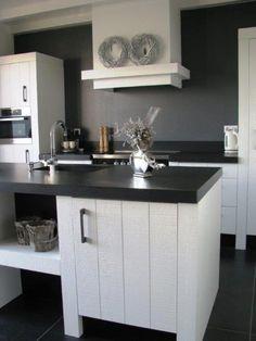 Fam. van Hemert | Diepeveen Keukens Kitchen Inspirations, Dream Kitchen, Interior, Kitchen Cabinets, Home Decor, House Interior, Kitchen Dining, Home Kitchens, Interior Design
