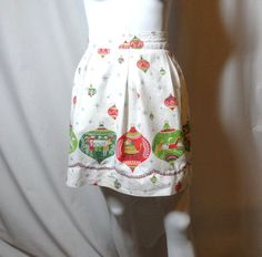 1960s Vintage Cotton Print Christmas Apron Tradition Ornament Print, Pleated Waistband, Vintage Christmas Apron, Holiday Apron, Cottage Chic by VictorianWardrobe on Etsy