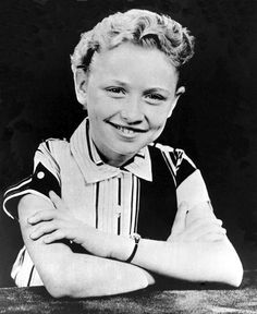 When They Were Young: Rare Vintage Portraits of Famous Rock Stars When They Were Children: Dolly Parton