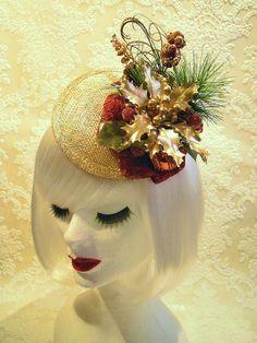 Festlicher Kopfschmuck  gold rot grün von jasminthestrange auf Etsy, $120.00