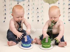 Can't wait to do this when the boys turn 1! :) :)  So much fun... and messy... I love it! :)