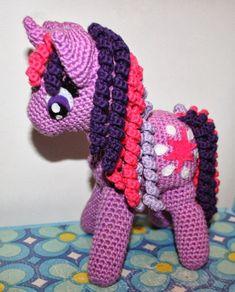 KrudtuglensMor: Prescription for the gehaakte My Little Pony! Crochet Art, Free Crochet, Crochet Patterns, Knitted Dolls, Crochet Dolls, Rainbow Dash, Twilight Sparkle, Doll Toys, Baby Toys