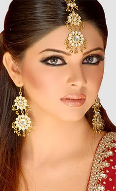 Latest Pakistani Bridal Makeup Trend 2012 | Makeup trend 2012 for Brides | Your Blog Title