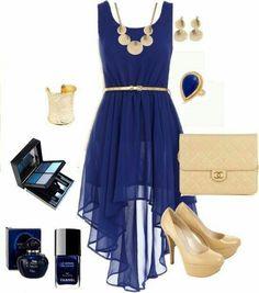 Vestido Azul corto con cola