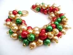 Christmas Bracelet, Chunky Bracelet, Red Green and Gold, Christmas Jewelry, Beaded Bracelet, Holiday Jewelry, Festive Cluster Pearls, Gift