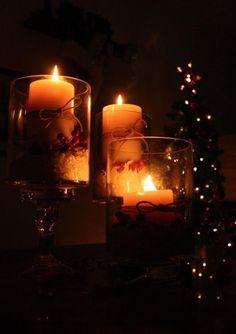 Christmas candles ¸.•♥•.  www.pinterest.com/WhoLoves/Christmas  ¸.•♥•.¸¸¸ツ #Christmas