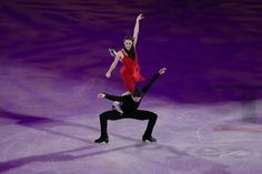 Tessa Virtue and Scott Moir of Canada perform during the Figure Skating Gala Exhibition on day 16 of the PyeongChang 2018 Winter Olympics at Gangneung Ice Arena on February 2018 in Gangneung, South Korea. Weightlifting For Beginners, Olympic Weightlifting, Virtue And Moir, Tessa Virtue Scott Moir, World Figure Skating Championships, Tennis Championships, Tessa And Scott, World Athletics, Pyeongchang 2018 Winter Olympics