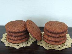 Časť z Vás si žiadala nejaké zdravšie receptíky. Pravda je taká, že oveľa radšej inklinujem k nezdravým sladkým verziám, ale sem-tam sa mi pošťastí niečo zdravé a božsky chutné – ako tieto mä… Low Carbon, Gluten Free, Cookies, Breakfast, Ale, Food, Glutenfree, Crack Crackers, Morning Coffee