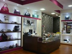 como decorar un local pequeño de ropa femenina - Buscar con Google