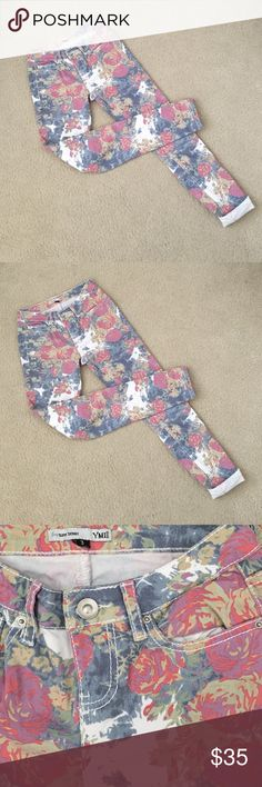 Floral Skinnies Another like-new pair of floral skinny jeans to wear in any season! YMI Jeans Skinny